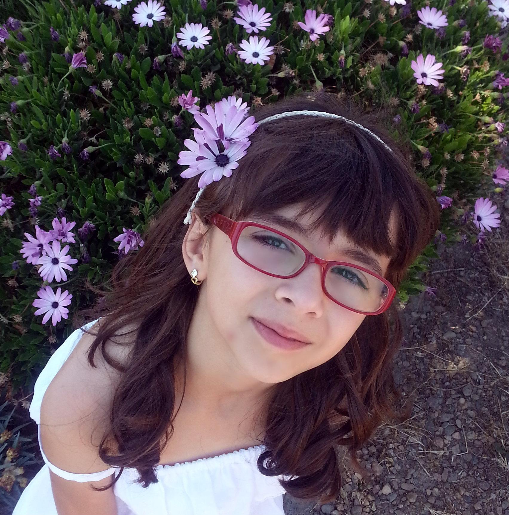 d6caf0b03 Hoy os presento el primer look de mi hermana, una pequeña fashionista que  va a compartir blog conmgio y va a enseñar las tendencias en moda para los  mas ...